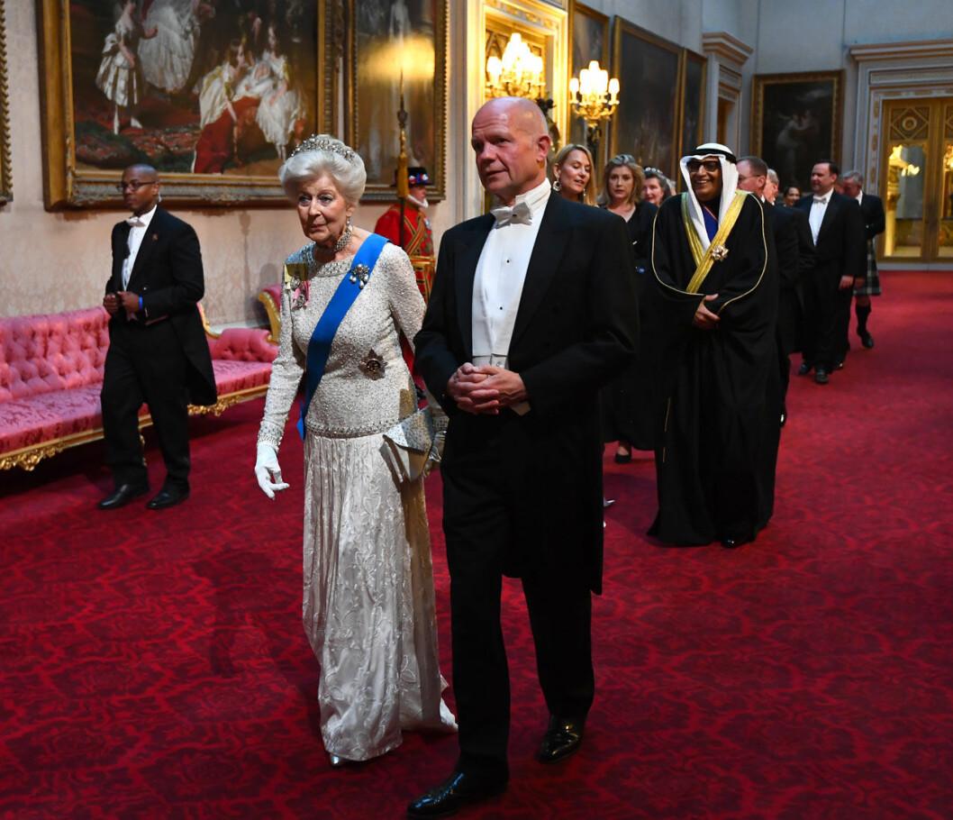 Floras Ogilvys farmor prinsessan Alexandra på galamiddag på Buckingham Palace.