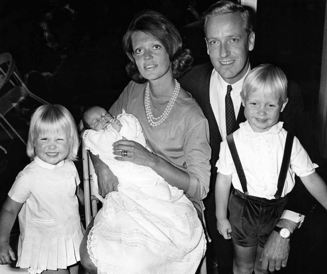 Prinsessan Birgittas dotter Désirée, tre år gammal, längst till vänster.