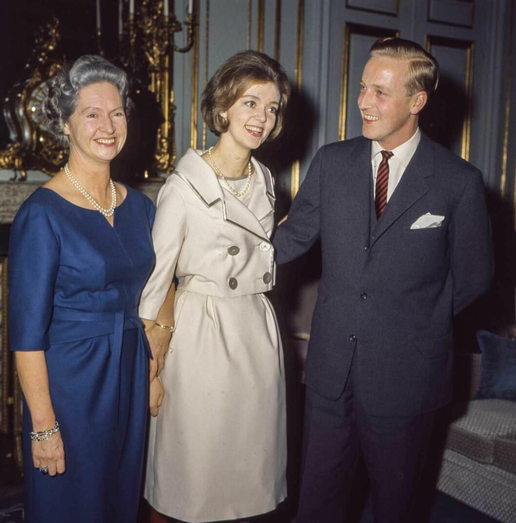 """Prinsessan Birgitta och """"Hansi"""" vid förlovningen på Stockholms slott 1960."""