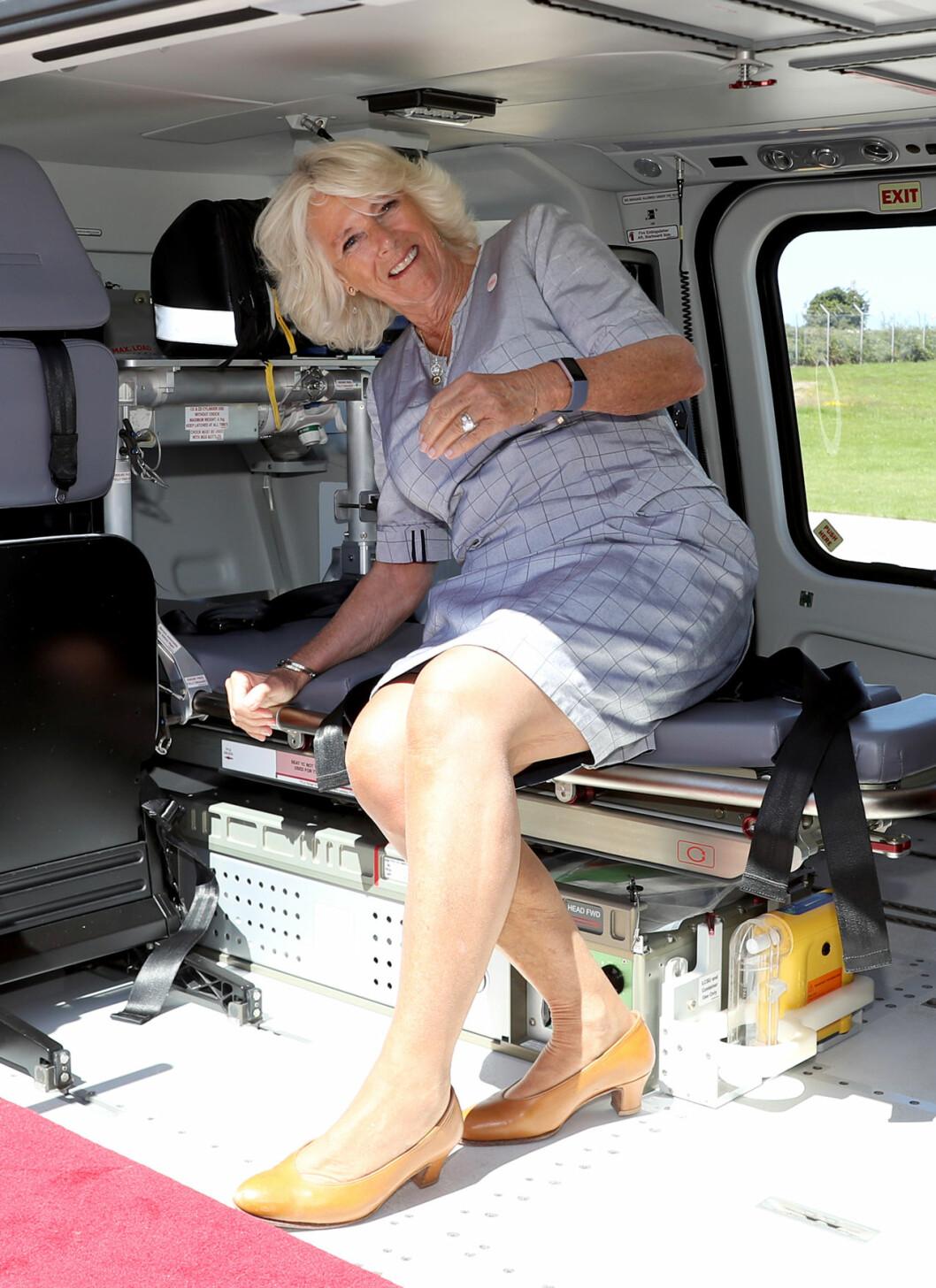 Hertiginnan Camilla i flygambulansen
