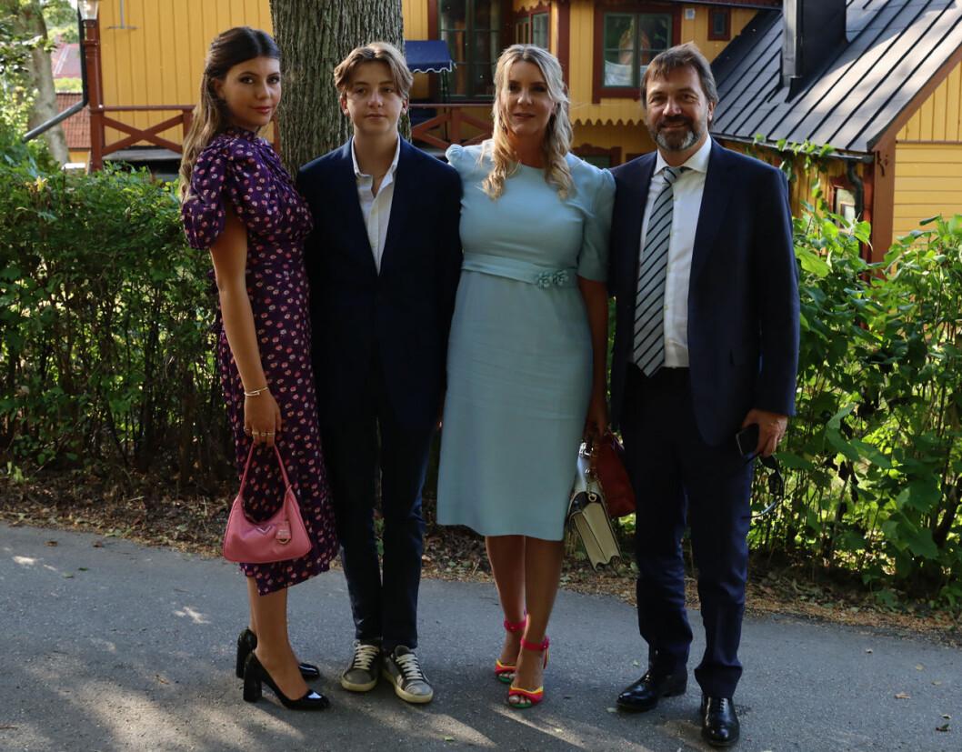 Cedrics syster Clarina med sin man Jean-Christophe Hocke, som är advokat, och deras barn Gisele och Balthazar.