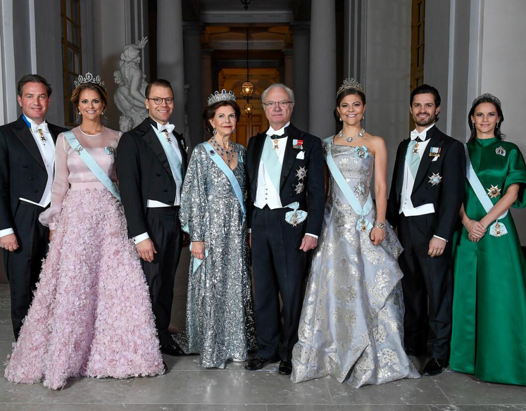 Gruppbild på kungafamiljen