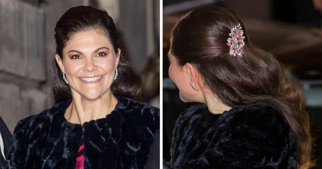 Utsläppt var det här! När kronprinsessan närvarade vid Svenska Akademiens högtidssammankomst i december förra året hade hon sitt hår utsläppt.