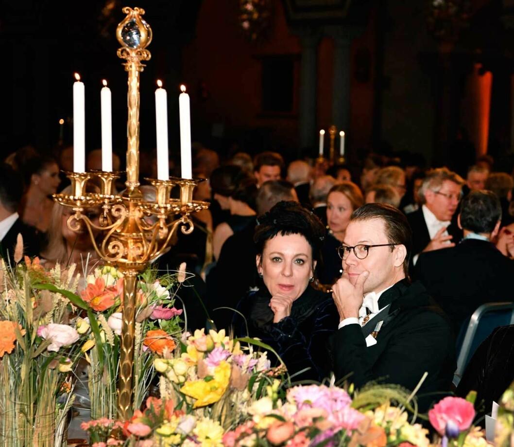 Prins Daniel med litteraturpristagaren Olga Tokarczuk på Nobel 2019.