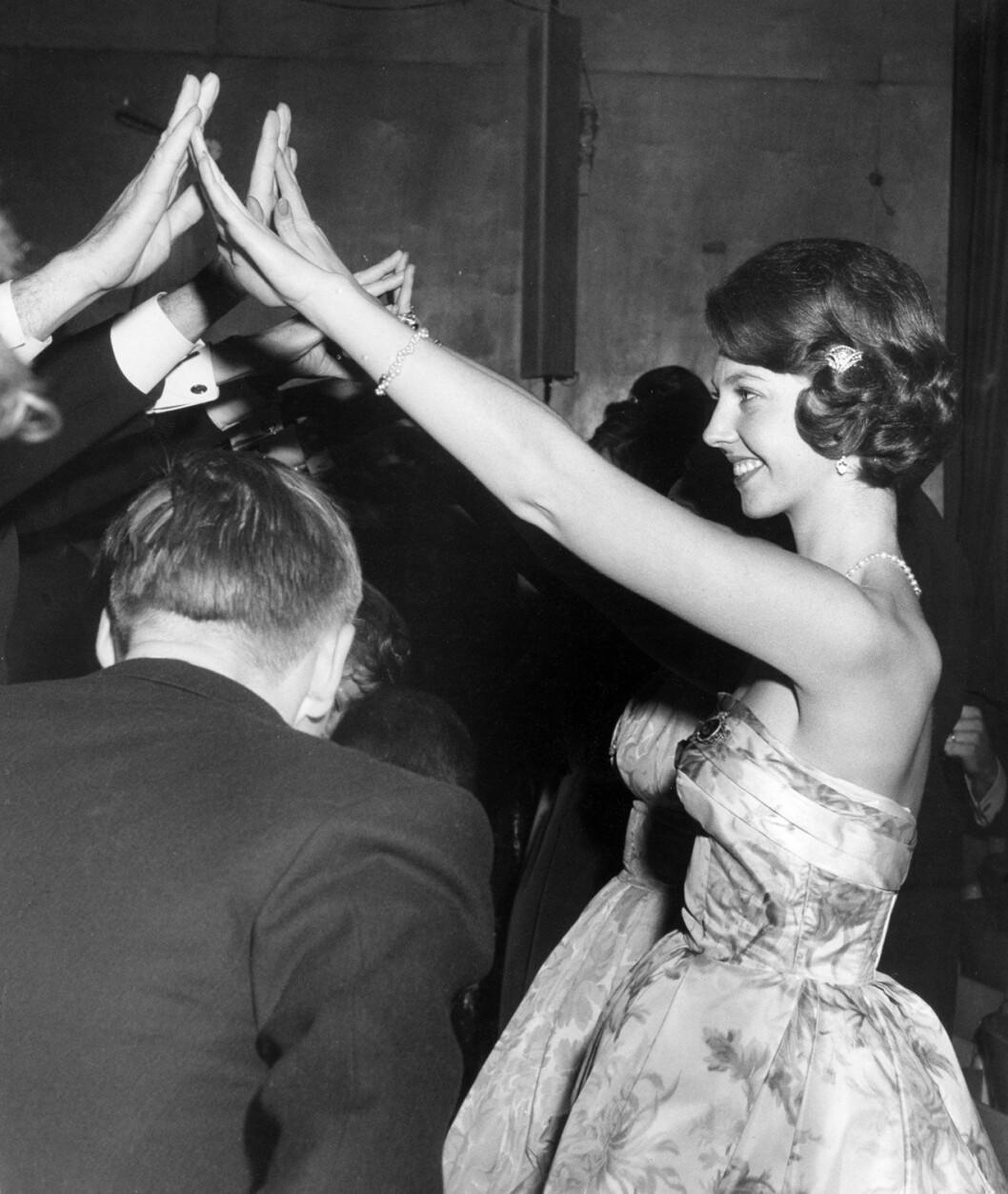 Vilken partypingla! Prinsessan Désirée på midvinterbal i Stockholm 1961.