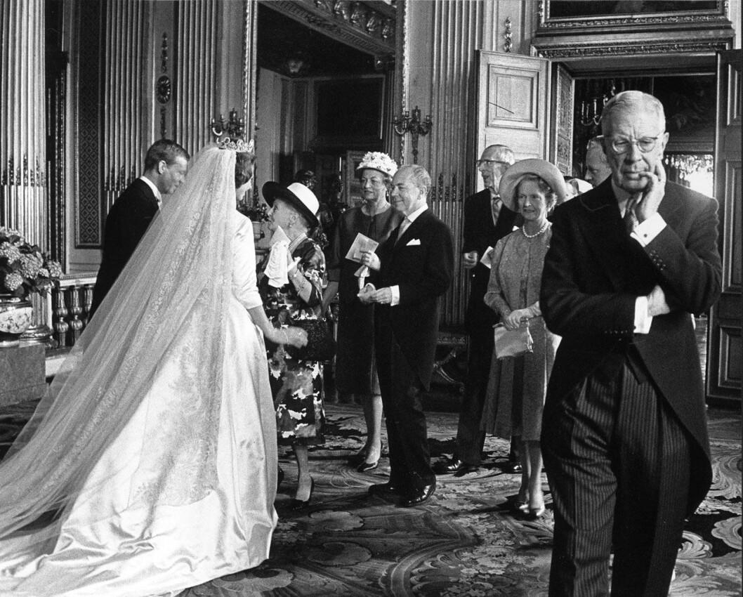 Lennart Nilssons bild från prinsessan Désirées bröllop 1964.