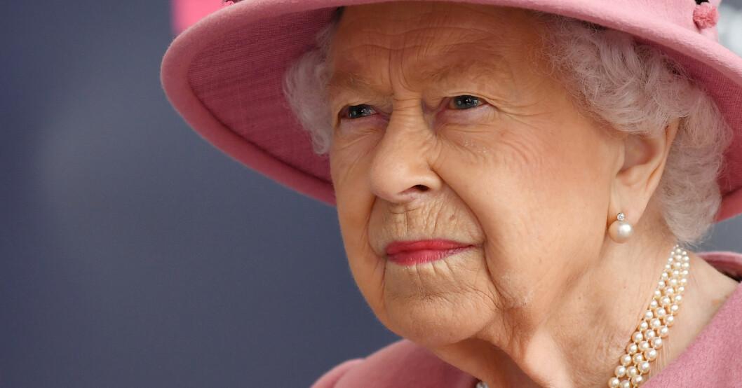 Drottning Elizabeth i rosa