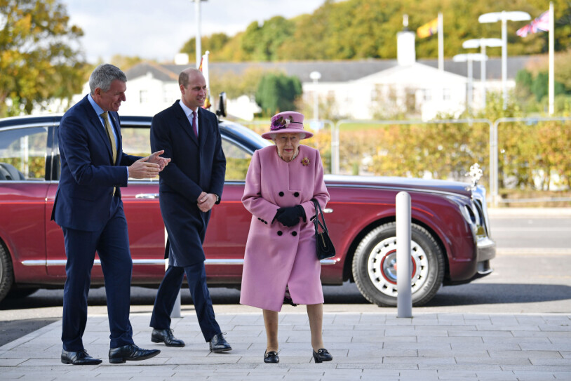 Drottning Elizabeth och prins Wiliam Bentley
