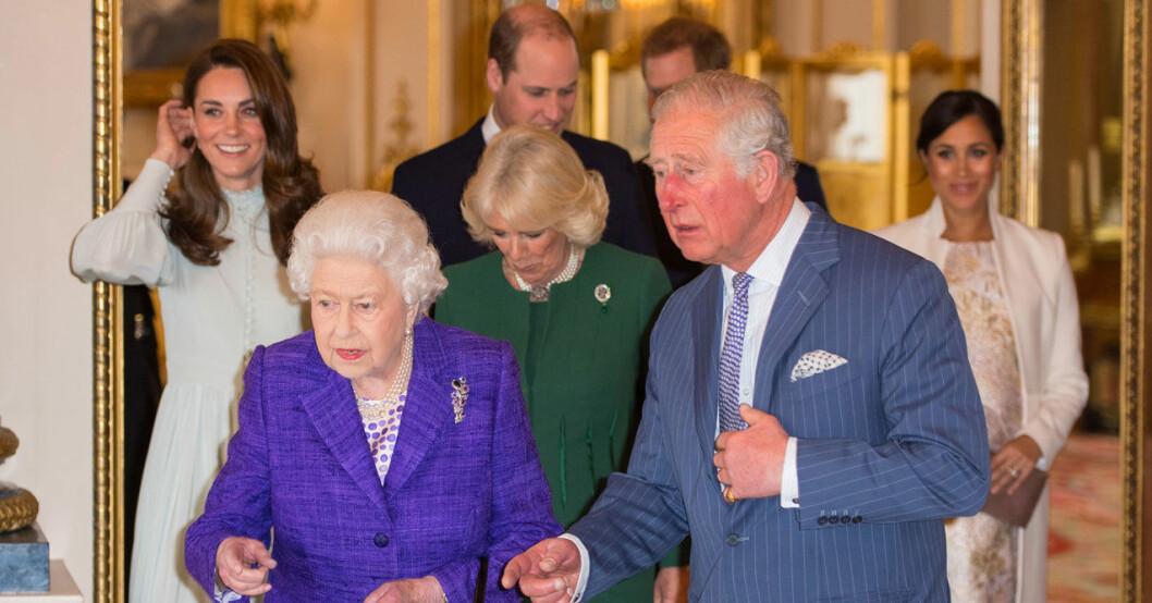 drottning Elizabeth med sin familj