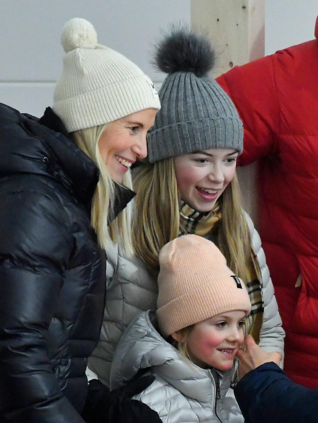 Anna Westling och hennes dotter Vera med prinsessan Estelle.
