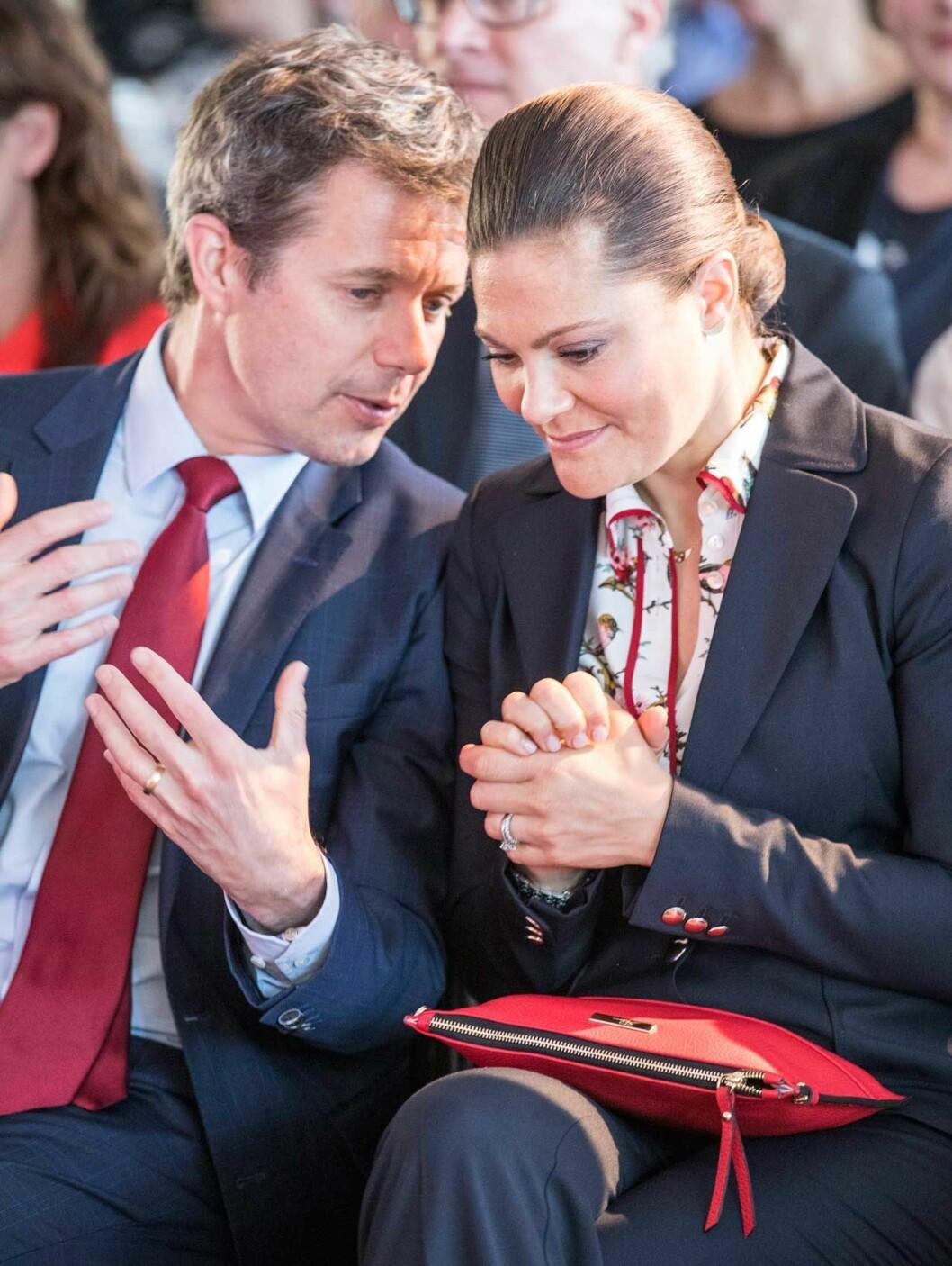 Kronprins Frederik och kronprinsessan Victoria är nära släkt, deras föräldrar är kusiner.
