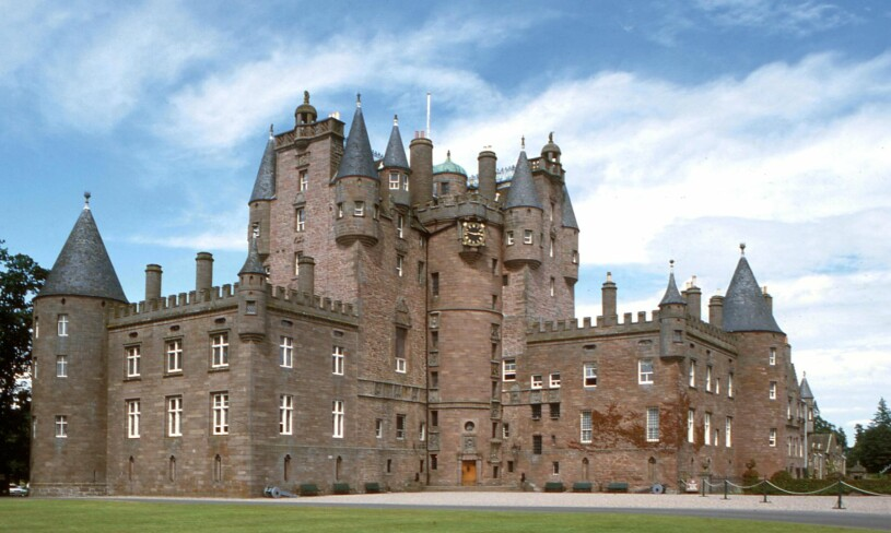Glamis Castle Drottningmoderns barndomshem Simon Bowes-Lyon