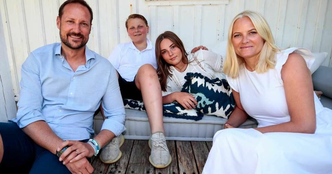 Haakon och Mette-Marit med barnen 2019