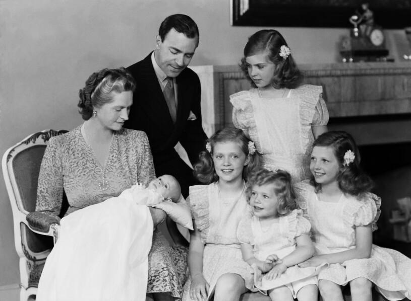 Hagasessorna Prinsessan Sibylla Prins Gustaf Adolf Lillprinsen Kungen 1946 Haga slott