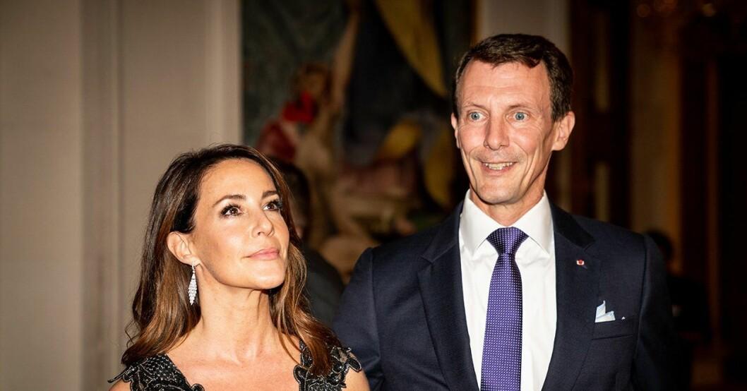 Joachim och Marie bryter tystnaden efter stroken.