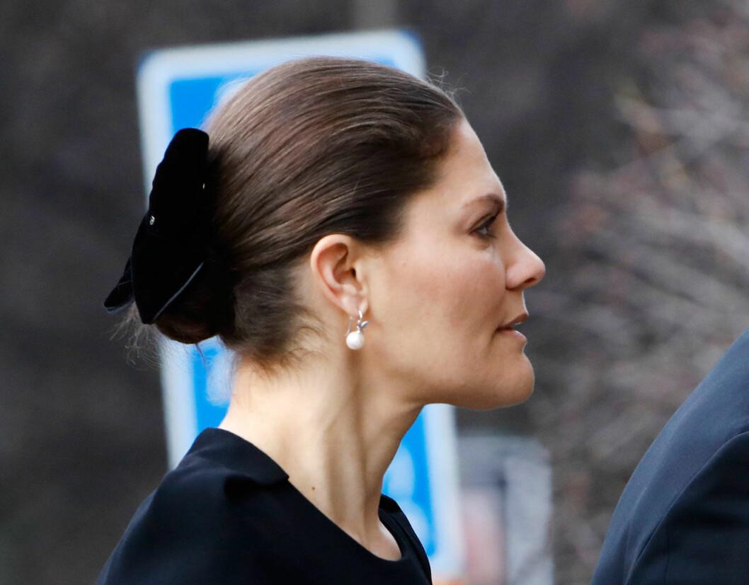 Kronprinsessan Victoria vid Dagmar von Arbins begravning i Oscarskyrkan i Stockholm.