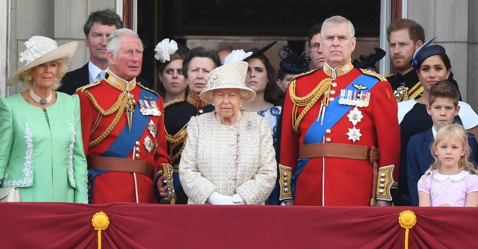 Brittiska kungafamiljen Drottning Elizabeth Prins Andrew Prins Charles