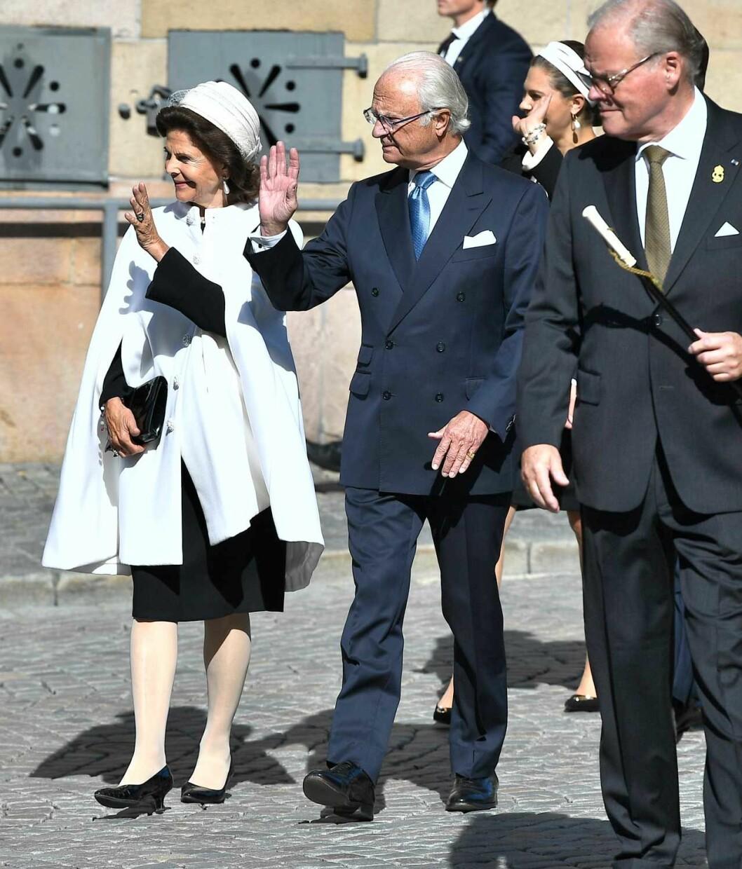 Drottning Silvia i cape vid Riksmötet 2019