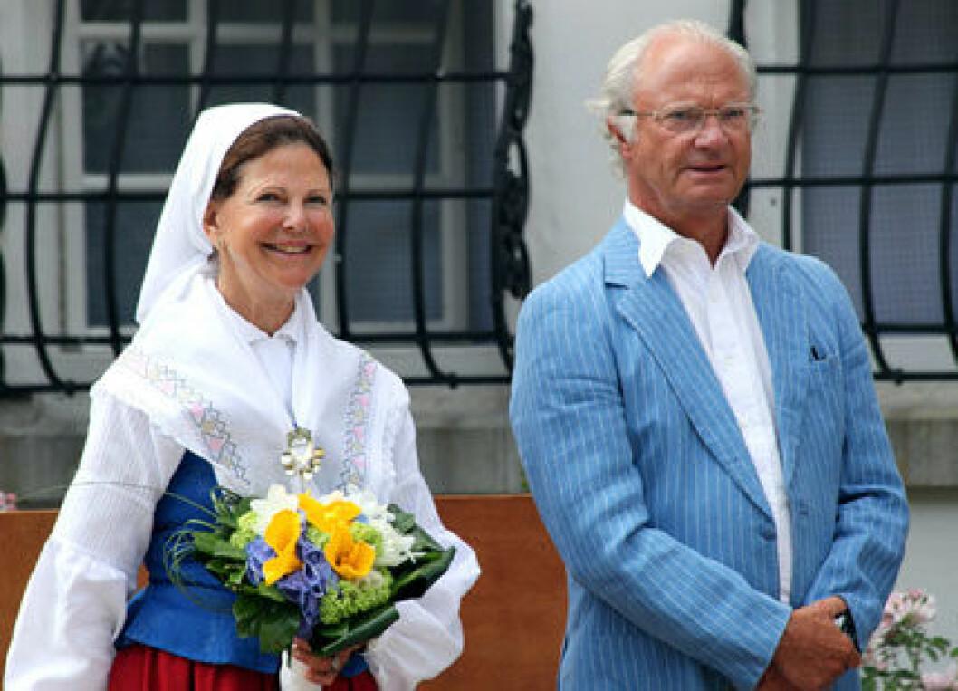 Kung Carl Gustaf och drottning Silvia på Solliden.