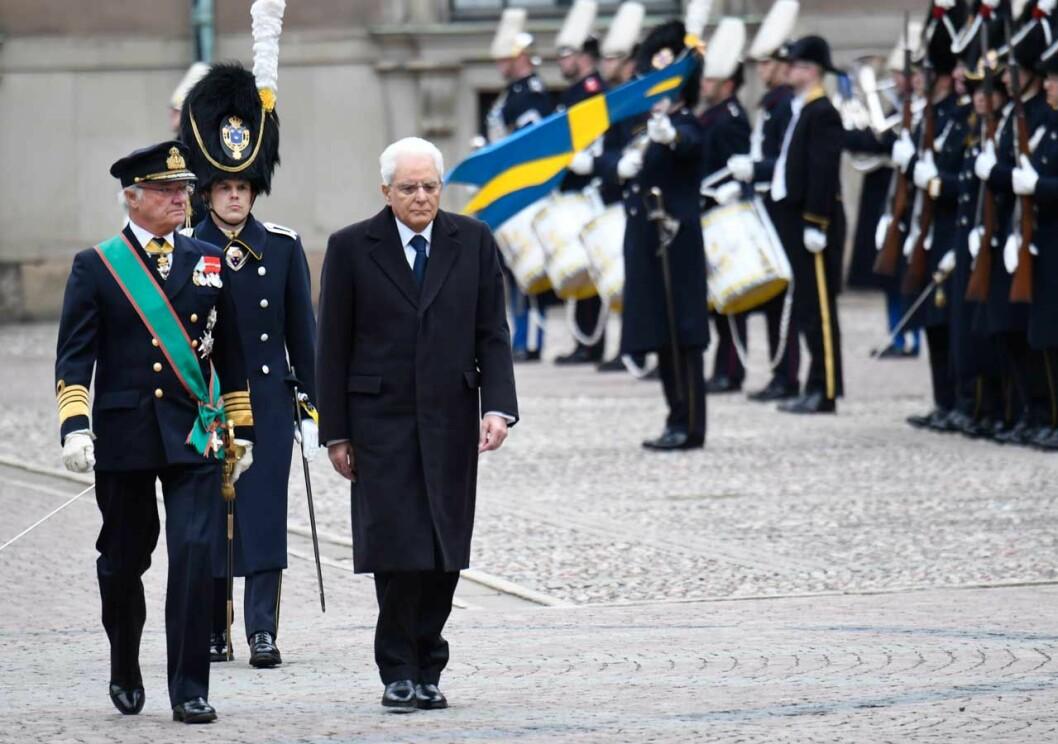 Högtidligt med kungen och president Mattarella på inre borggården idag.
