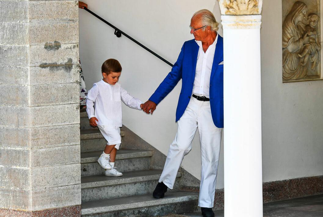 Prins Oscar med morfar kungen.