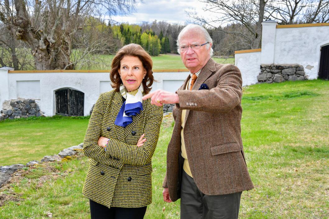 Kungen och drottning Silvia på Stenhammar.