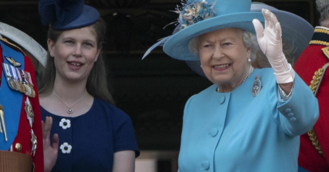 Lady Louise Windsor och drottning Elizabeth