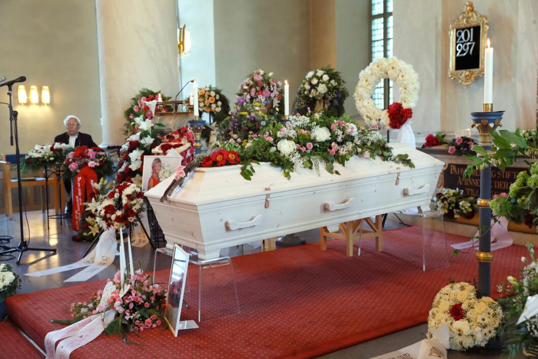 Lill-Babs begravning.