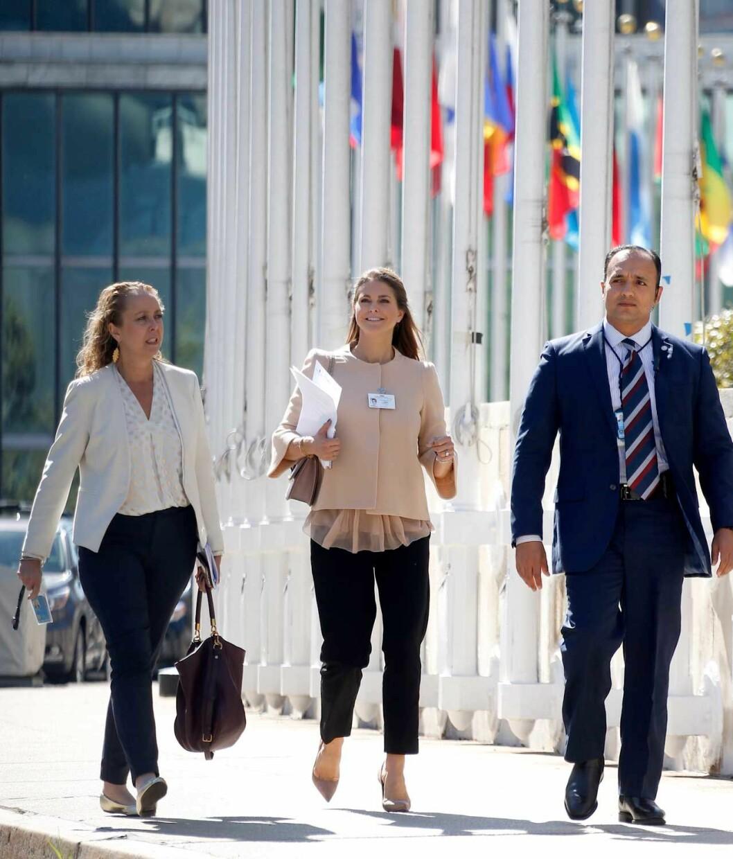 Prinsessan Madeleine på väg till FN:s generalförsamling.