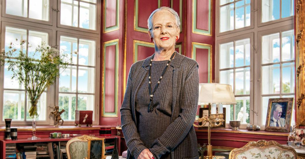Drottning Margrethe i sitt arbetsrum på Fredensborgs slott.