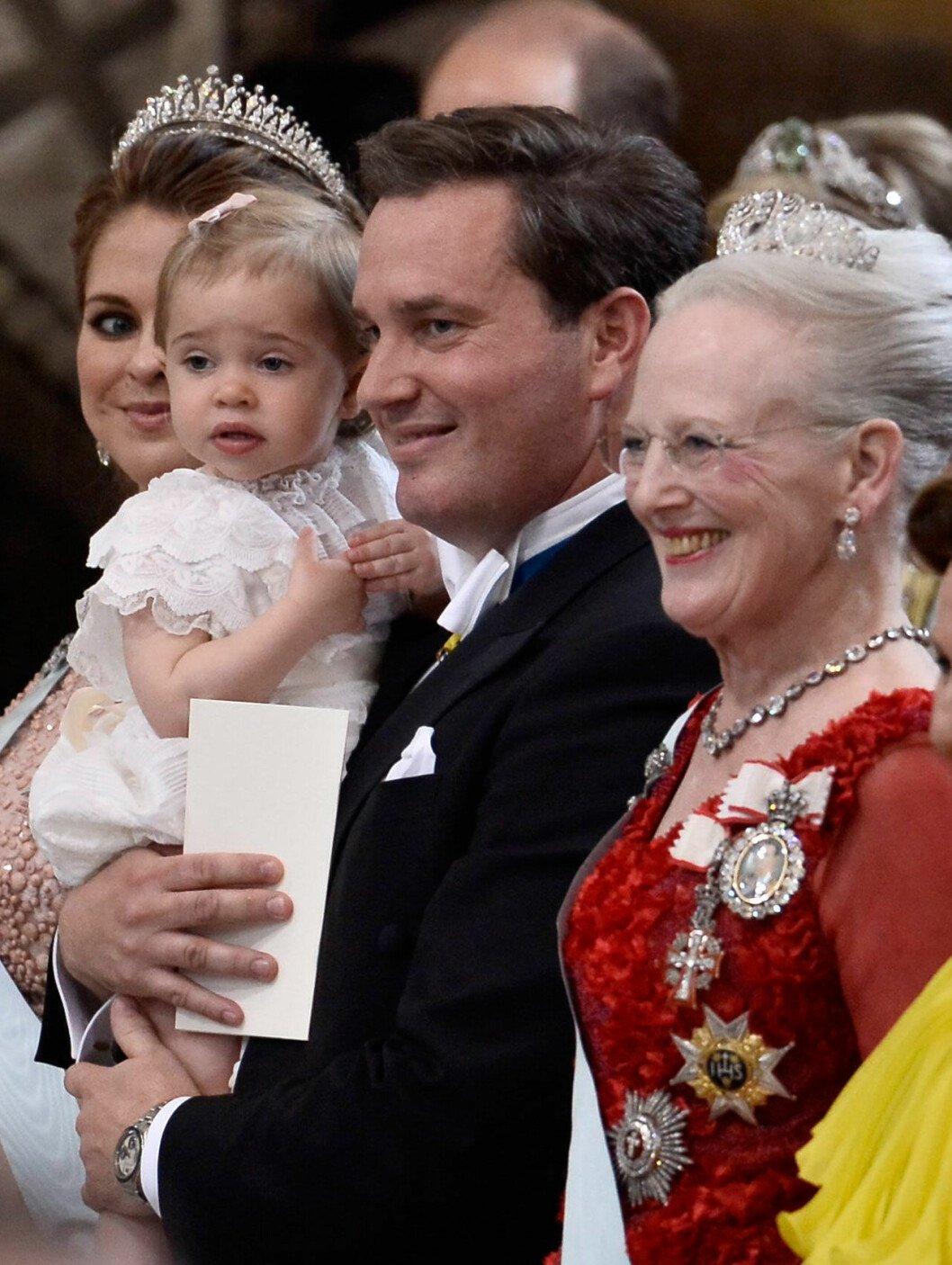 Drottning Margrethe med familjen Bernadotte-O'Neill.