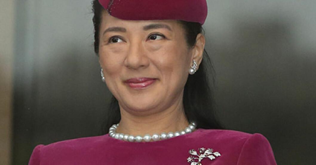 Kronprinsessan Masako i hatt med rondör