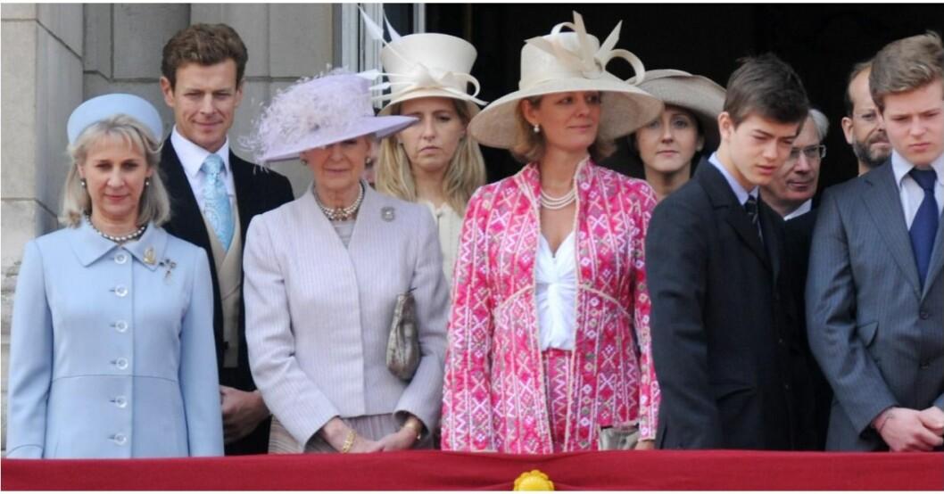 Prinsessan Alexandra träder fram.