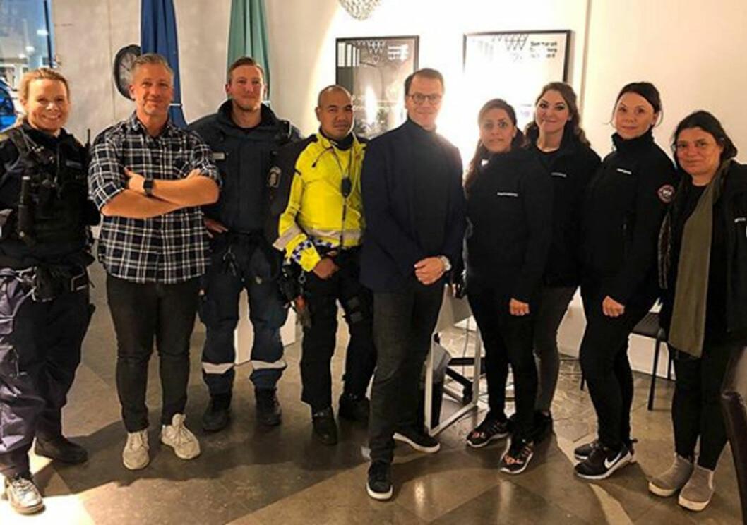 Prins Daniel på uppdrag med Stockholmspolisens ungdomsgrupp.