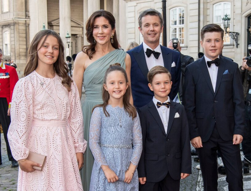 Prinsessa Isabella Kronprinsessan Mary Kronprins Frederik Prinsessan Josephine Prins Vincent Prins Christian