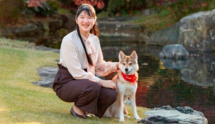 Prinsessan Aiko av Japan Hunden Yuri