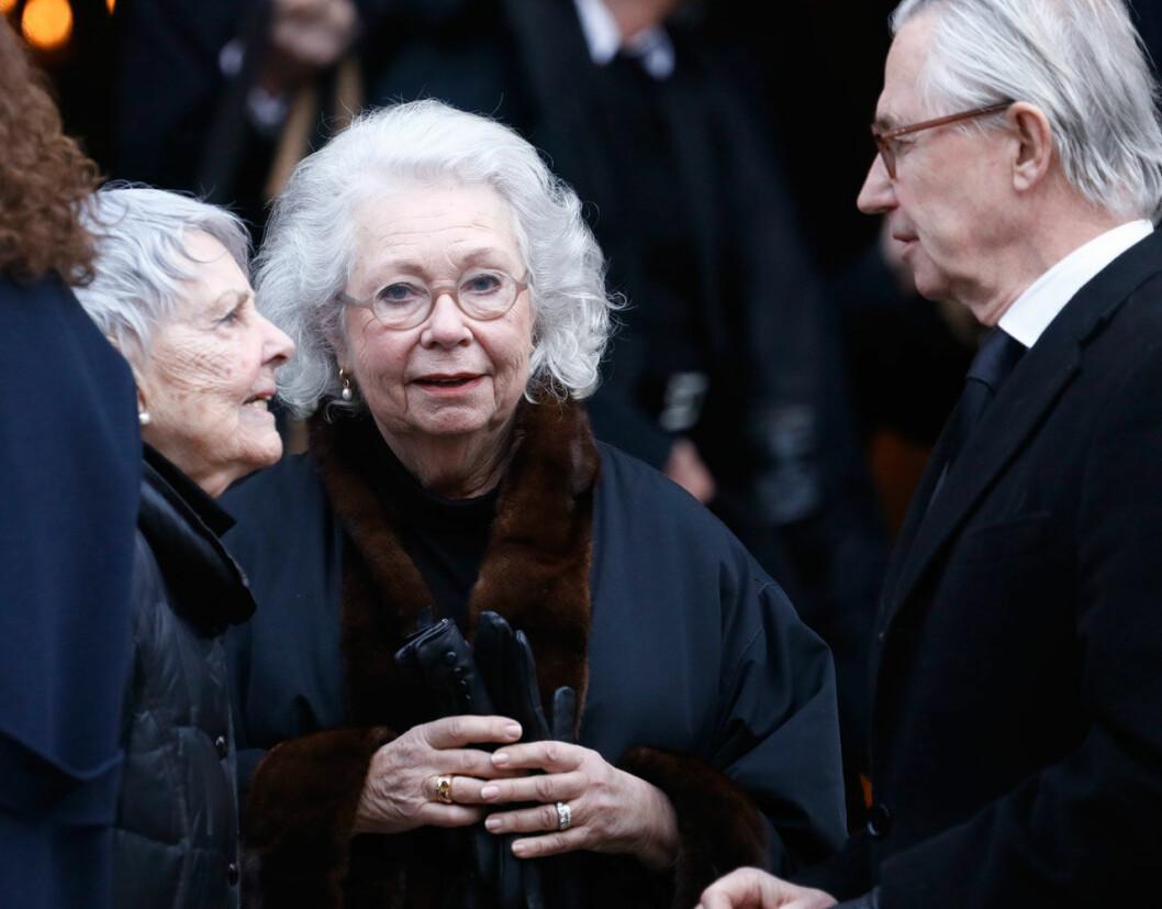 Prinsessan Christina representerade Hagasessorna i kyrkan. Här med sin man Tord Magnuson och Dagmar von Arbins syster Catharina Nilert.