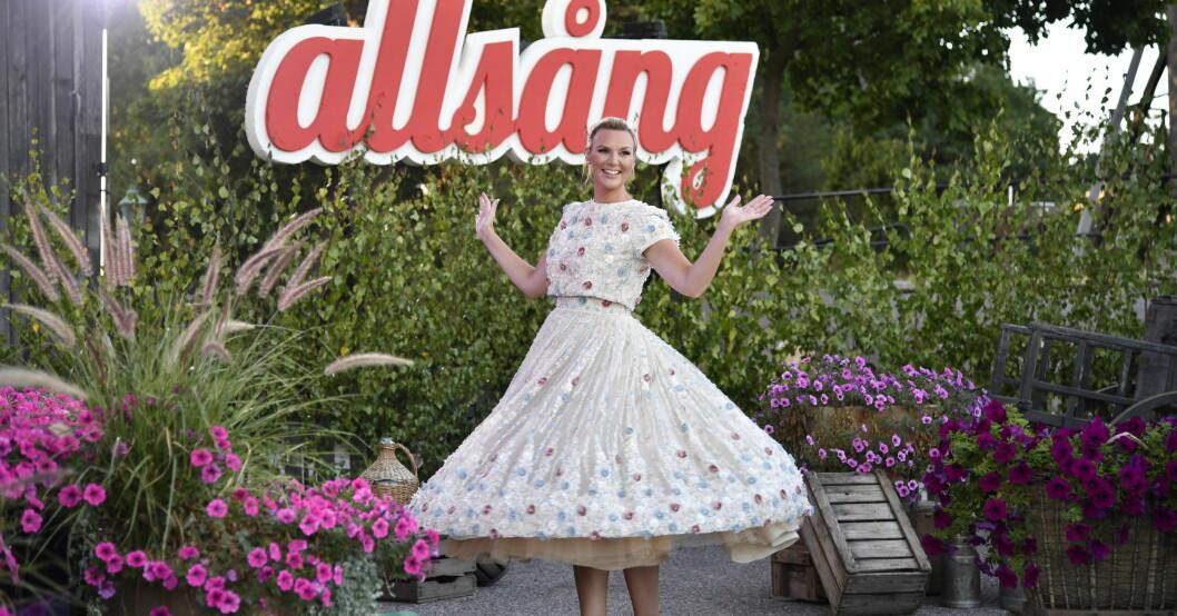 Sanna Nielsen kommer vara programledare för Allsång på Skansen 2021.