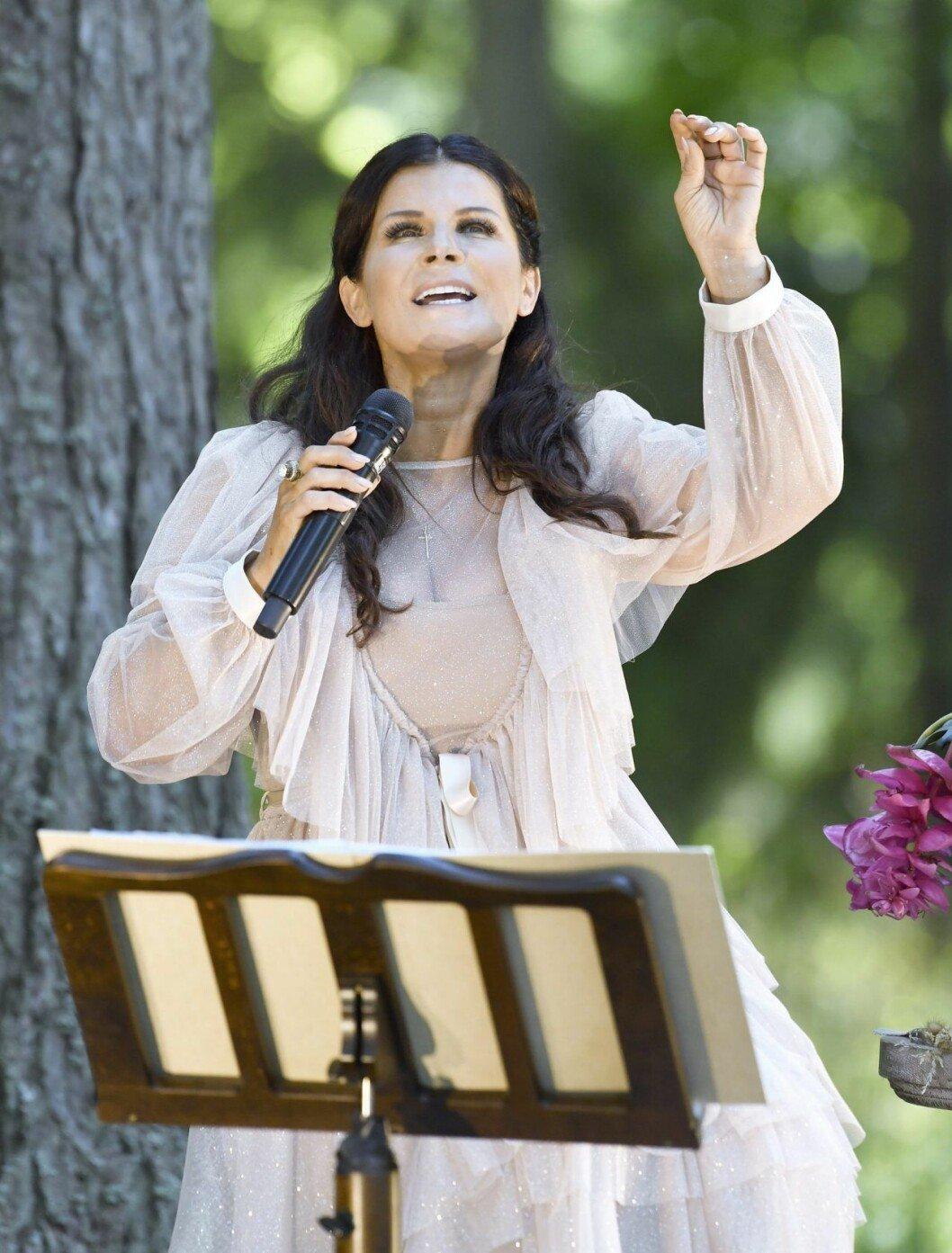 Carola Häggkvist var gift med Runar Sögaard mellan 1990 och 2000.