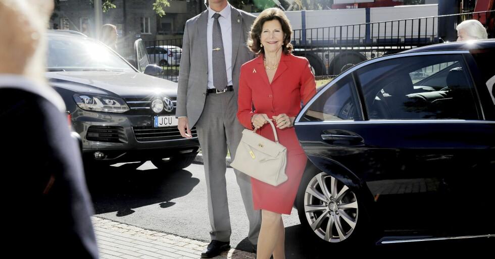 Drottning Silvia med Kellyväska från Hermès