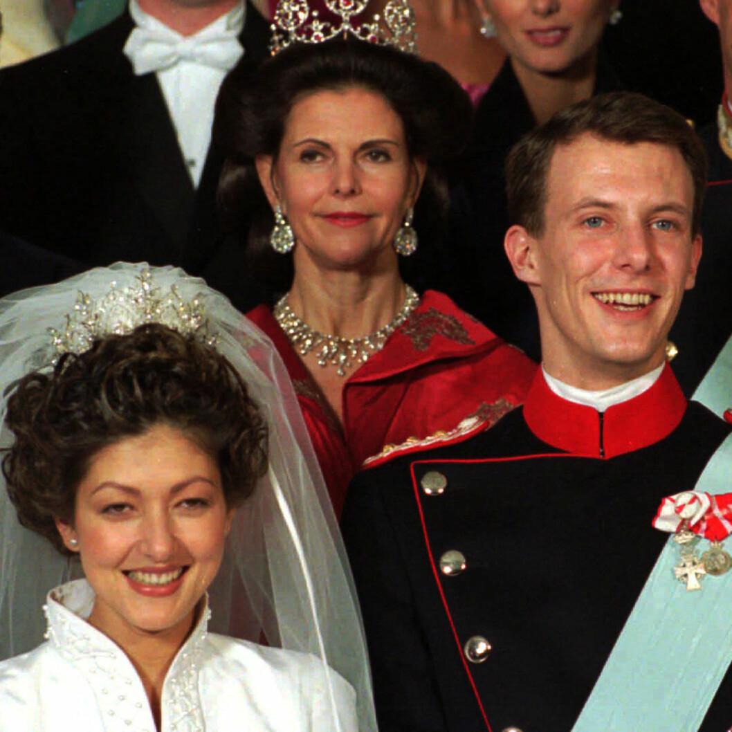 Drottning Silvia på prins Joachims och Alexandra Manleys bröllop 1995.