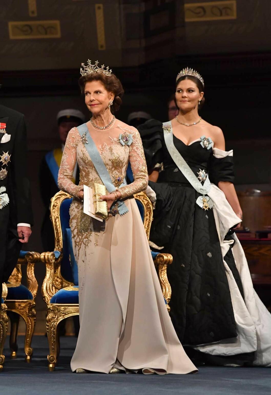 Drottning Silvia bar Elie Saab.