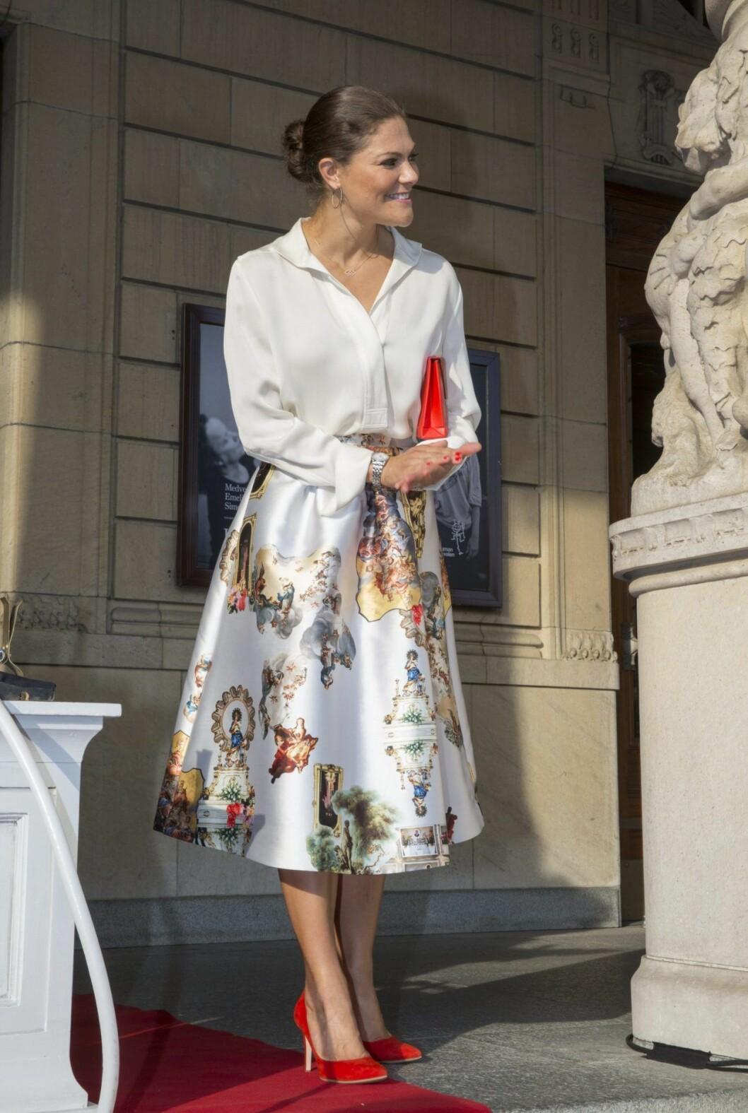 Kronprinsessan Victoria i pumps från Rizzo.