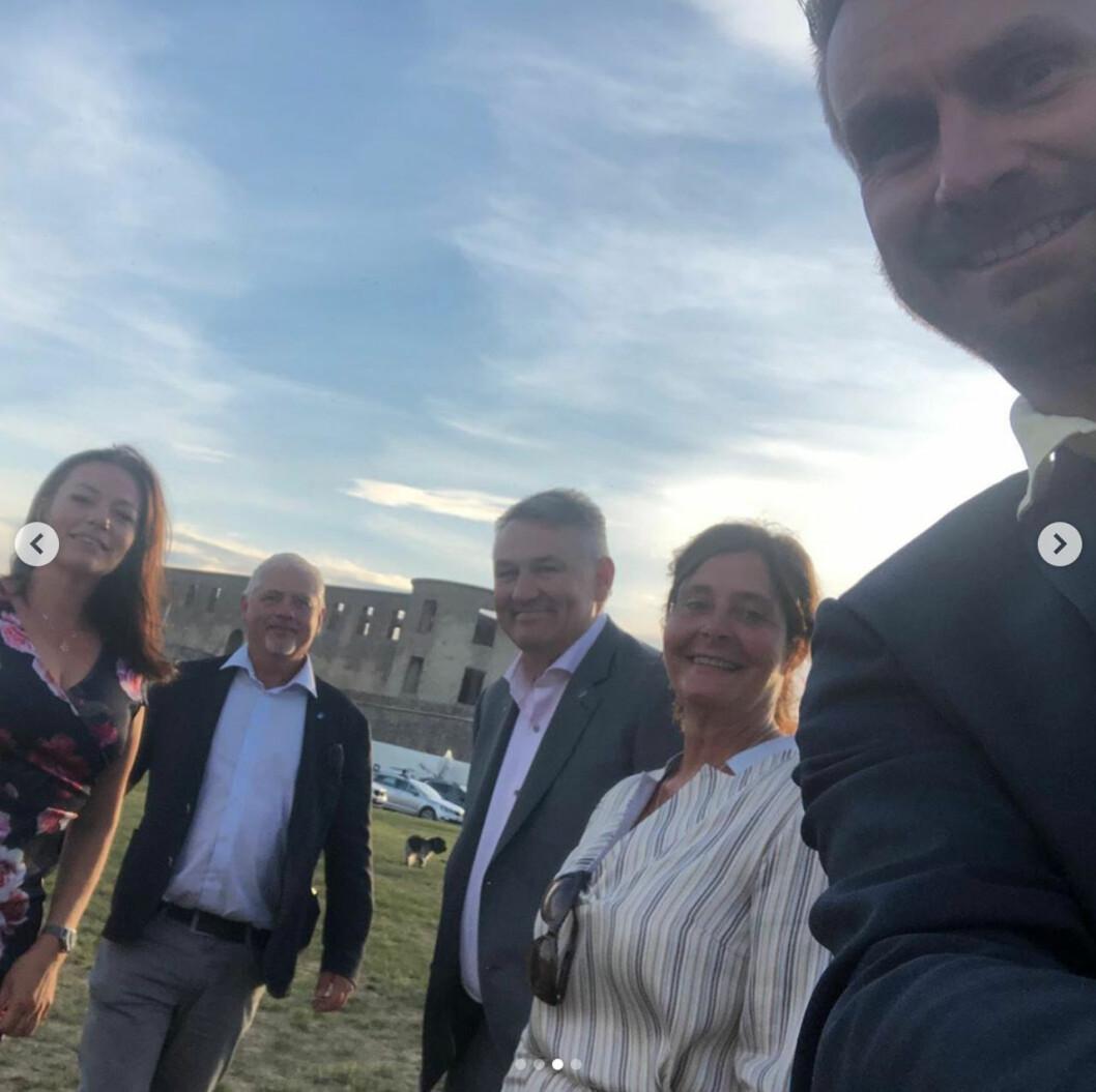 Victoriadagen 2020: Kommunrepresentanterna utanför Borgholms slottsruin
