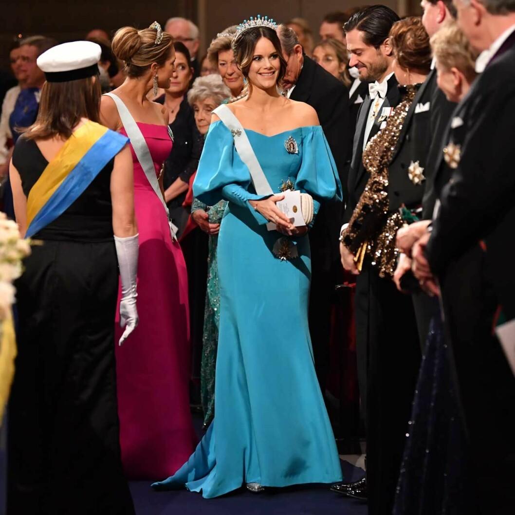 Sofias blå Nobelklänning skapad av Emelie Jarell.