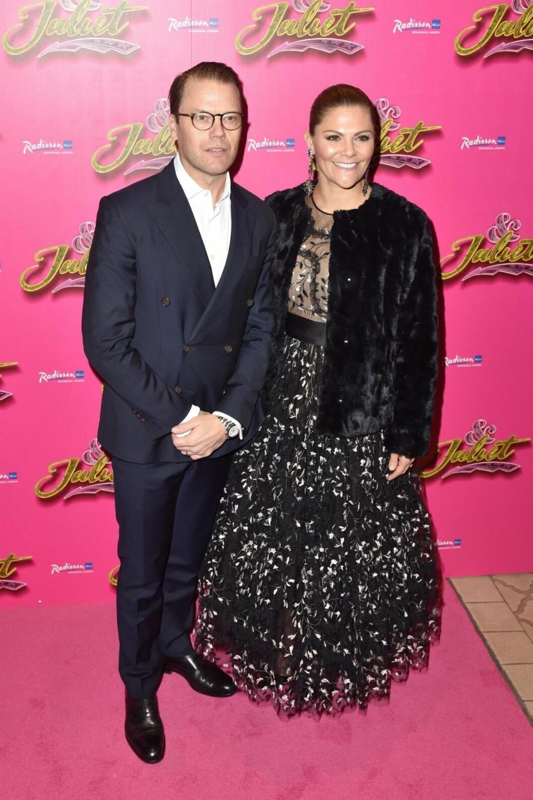 Daniel och Victoria på premiären av & Juliet