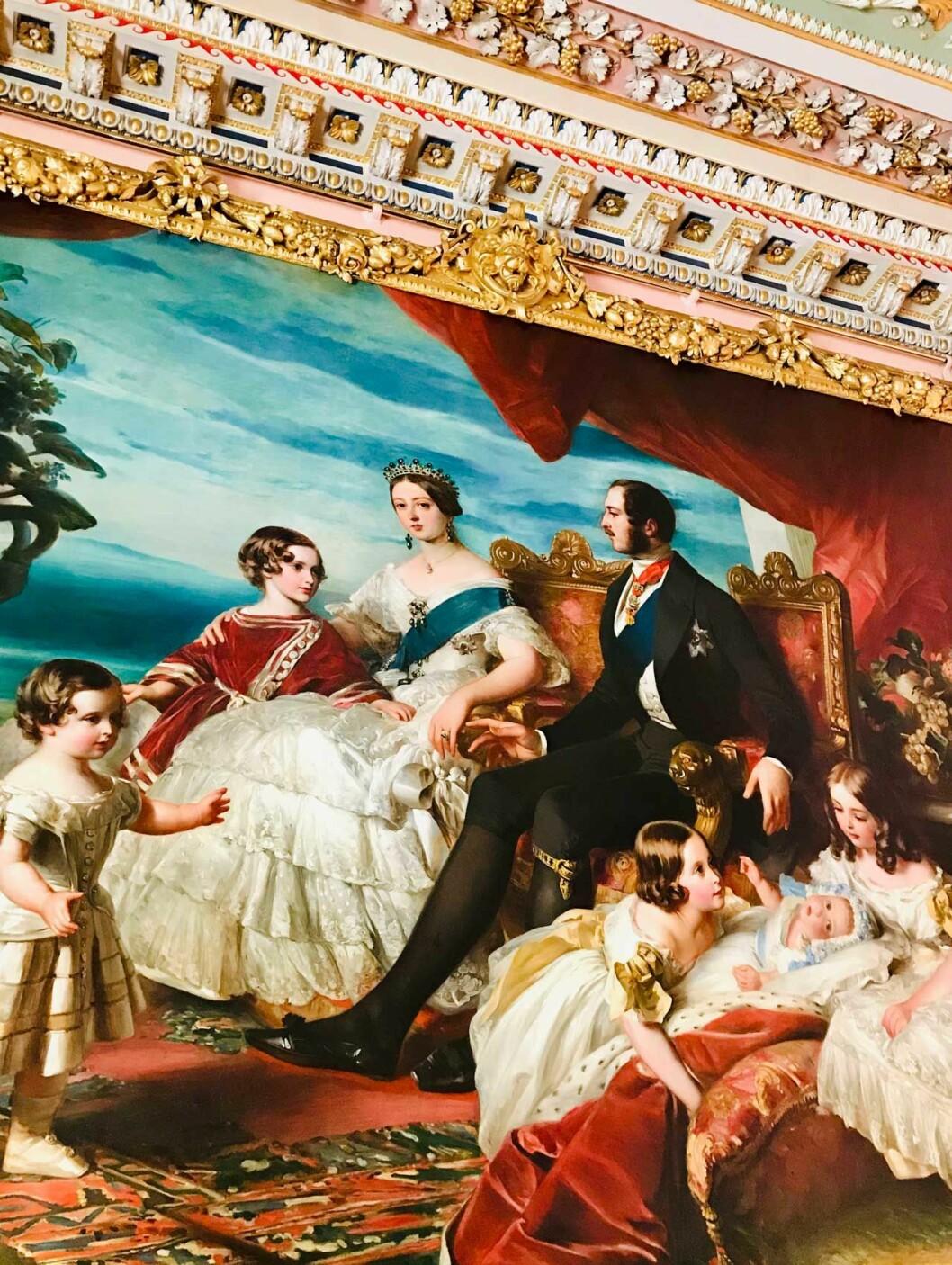 Den klassiska jättemålningen av drottning Victoria och prins Albert med fem av sina nio barn.