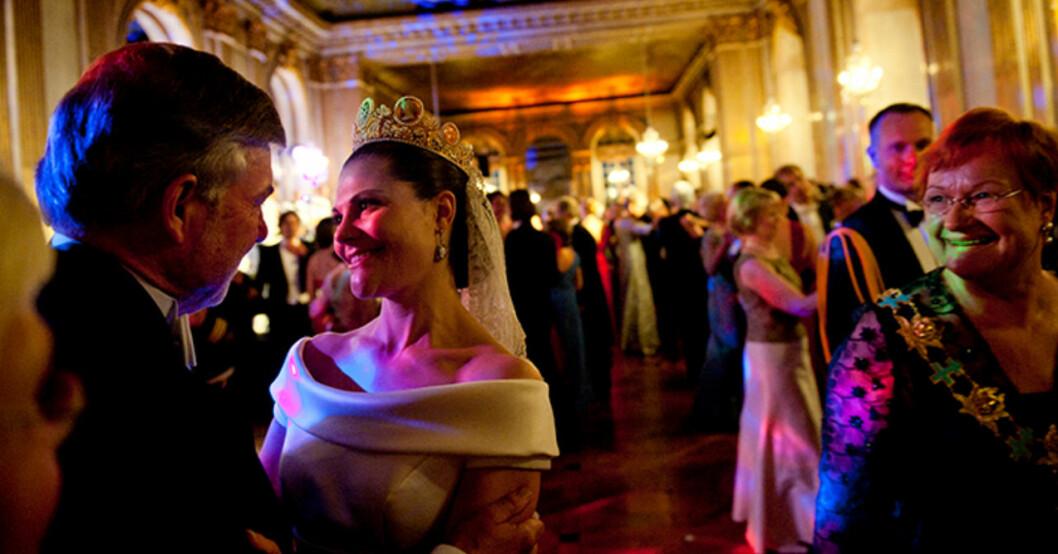 Kronprinsessan Victorias privata bild inifrån bröllopsfesten 19 juni 2010.