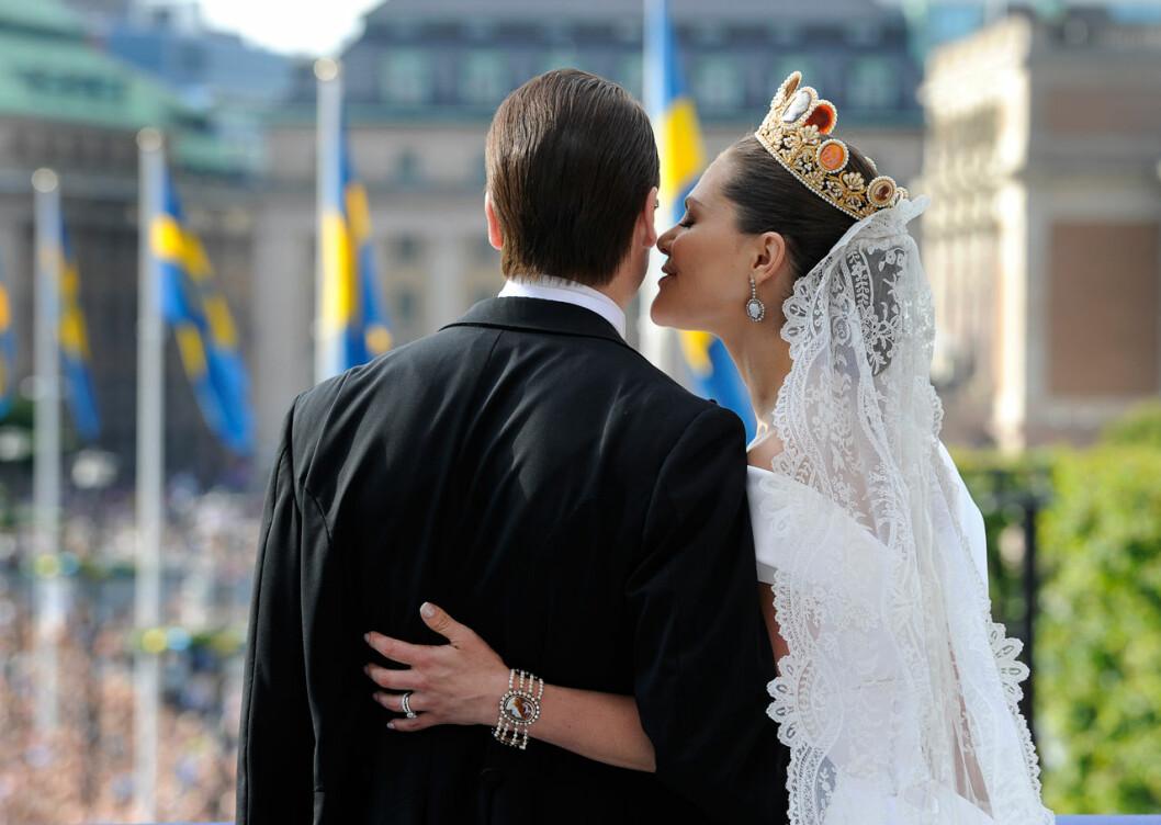 Kronprinsessan Victoria och prins Daniel på Lejonbacken efter bröllopet 2010.