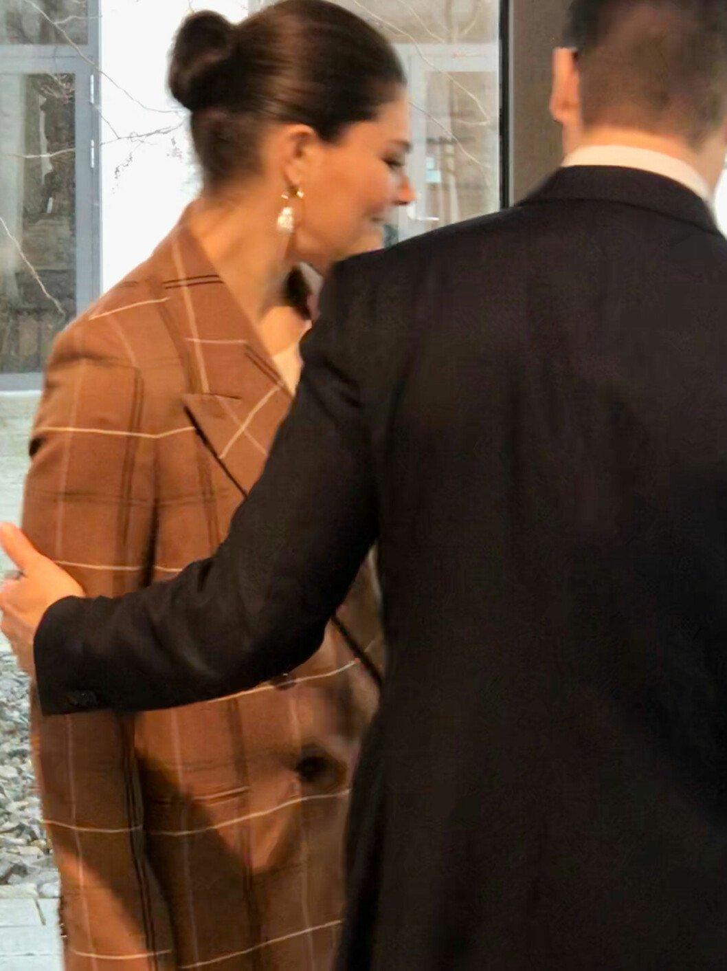 Prins Daniels kärleksgest till kronprinsessan Victoria.